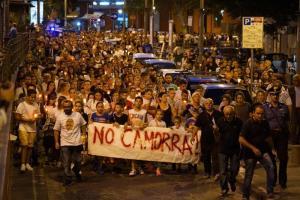 Un momento della manifestazione nel rione Sanità di Napoli in memoria di Gennaro Cesarano, il diciassettenne ucciso al Rione Sanità, a Napoli, nella notte tra sabato e domenica scorsi, 8 settembre 2015. ANSA / CIRO FUSCO