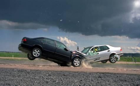 incidenti-stradali-scontro.jpg